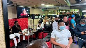 Imagen de la fiesta intervenida por la Guardia Urbana de Badalona.