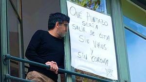 Pancarta en un edificio de Barcelona