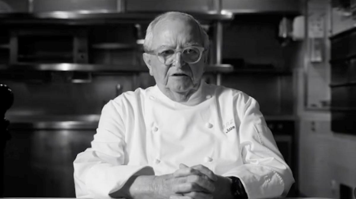 Juan Mari Arzak, en el vídeo en que comunica la reapertura de su restaurante.