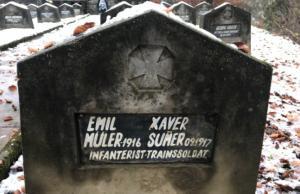 Misteri rere una làpida de la primera guerra mundial: ¿Per què aquests dos soldats van ser enterrats junts?