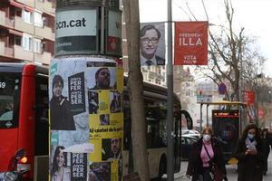 Carteles electorales en Barcelona.