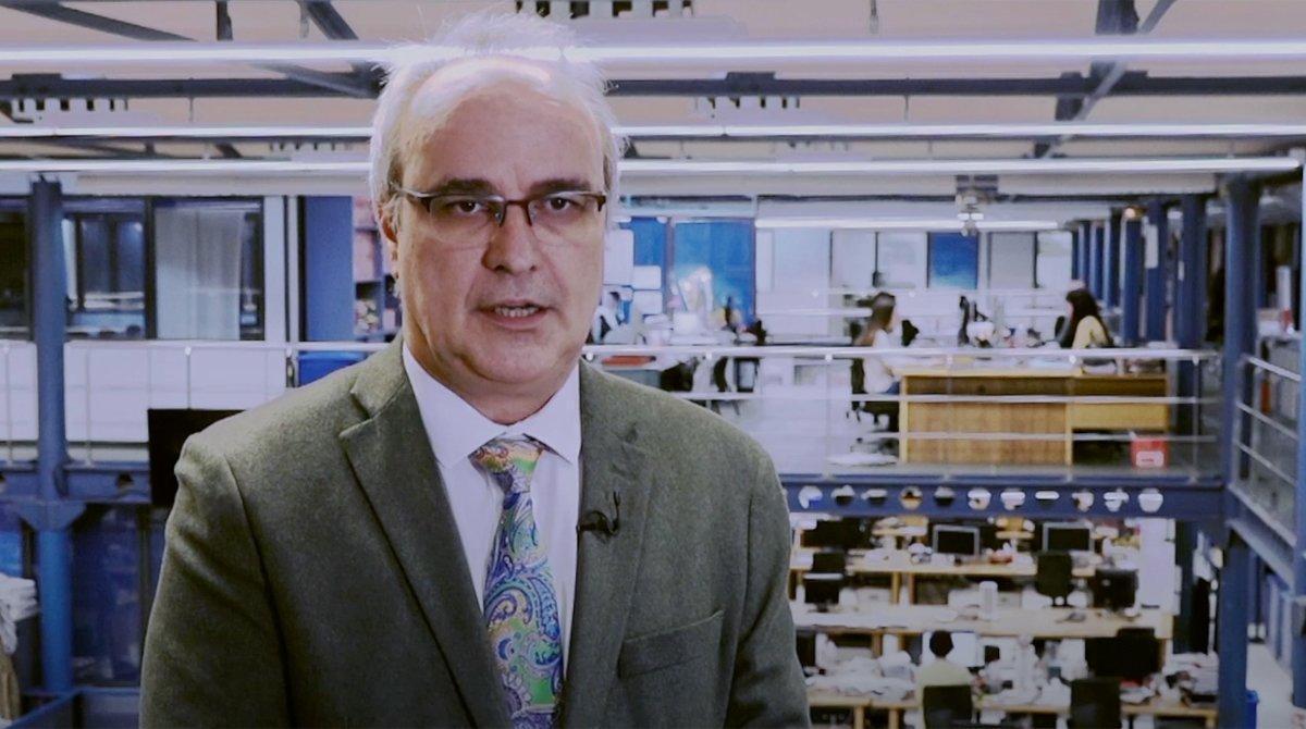 Alfonso Lluzar, en la redacción de El Periódico.