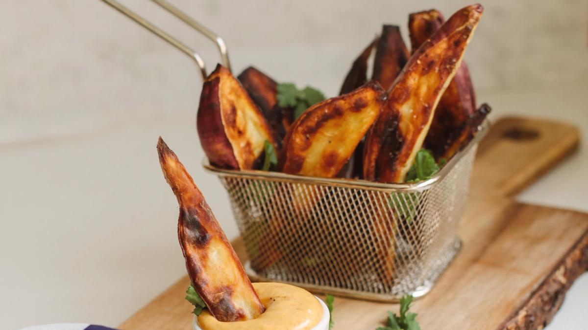 'Chips' de boniato con curri.