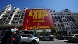 'A Madrid som de dreta i de revés', la lona desplegada per la Copa Davis de Gerard Piqué