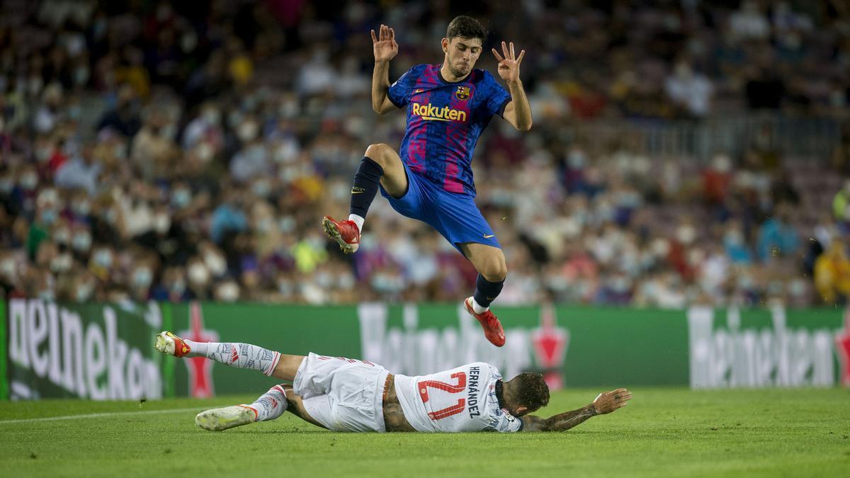 Hernández frena el avance de Demir