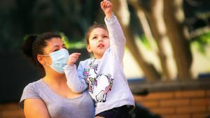 L'invisible i imprescindible paper de les dones en l'economia de les cures