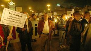 Concentración en la plaza de Espanya de Barcelona por el Día Mundial del Sida (1 de diciembre) en 2003.