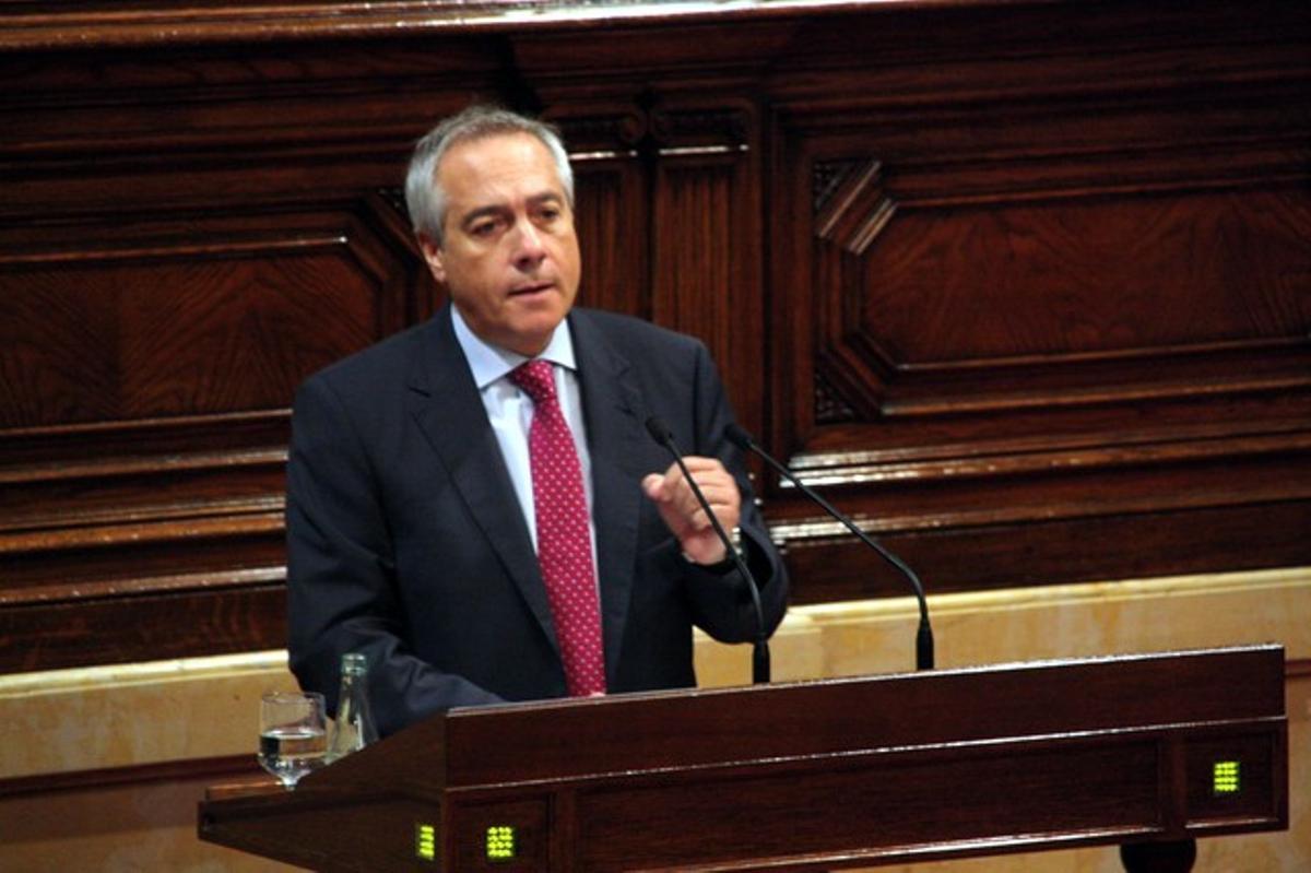 Pere Navarro, durante su intervención en el debate del Parlament.