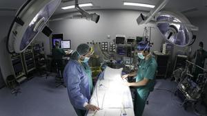 Preparativos de una intervención quirúrgica.