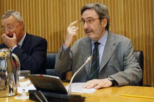 NARCÍS SERRA Presidente de CatalunyaCaixa entre el 2005 y el 2010.