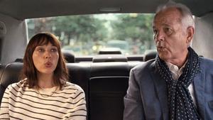 Rashida Jones y Bill Murray, en 'On the rocks', de Sofia Coppola