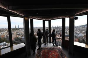 Vistas de 360 grados sobre Barcelona desde la planta 20 de la torre Urquinaona.