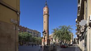 Torre del Rellotge, en la plaza de la Vila de Gràcia.