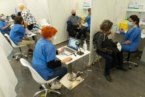 Vacunación contra el covid en Fira de Barcelona.
