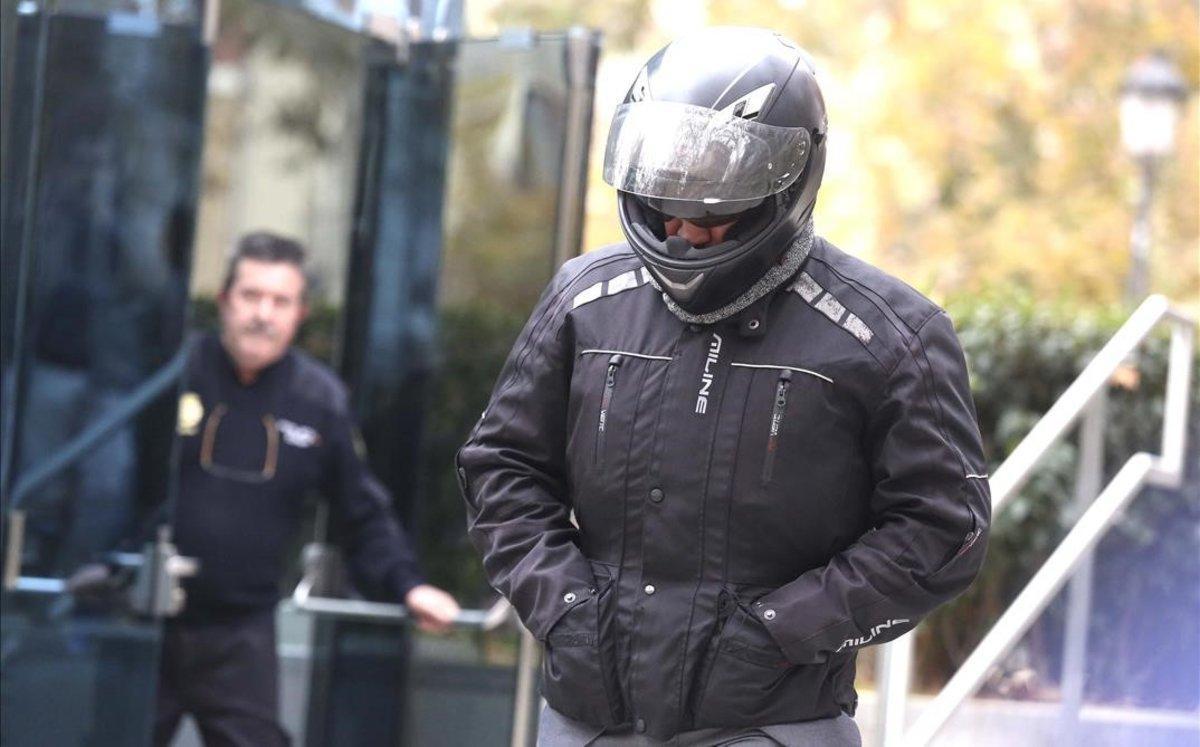 El chófer de Luis Bárcenas sale de declarar en la Audiencia Nacional.