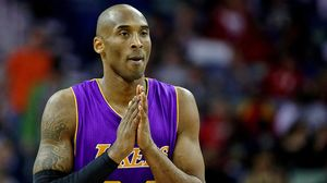 Kobe Bryant, durant el partit contra els Pelicans en què es va lesionar l'espatlla dreta.