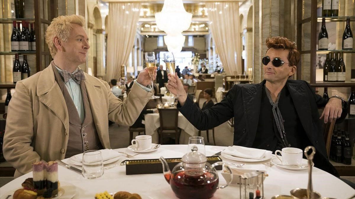 Michael Sheen y David Tennant, en una im agen de 'The good omens'.