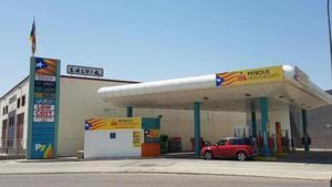 Una cadena de gasolineres insta la seva plantilla a fer vaga pel judici de l'1-O