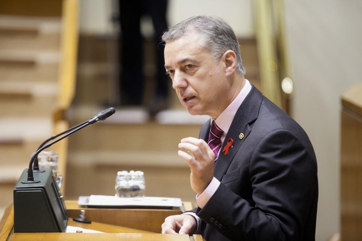 El lendakari, Iñigo Urkullu, en un pleno del Parlamento vasco.
