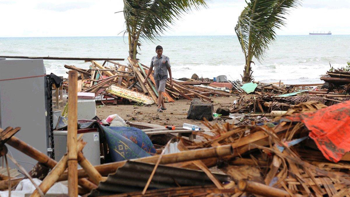 La playa de Carita (Indonesia), tras el tsunami.