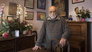 Arcadi Oliveres en su casa el día 8 de marzo de 2021.