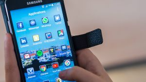 Cura amb la llanterna i la calculadora del teu mòbil: així és el SIM Swapping, l'última ciberestafa