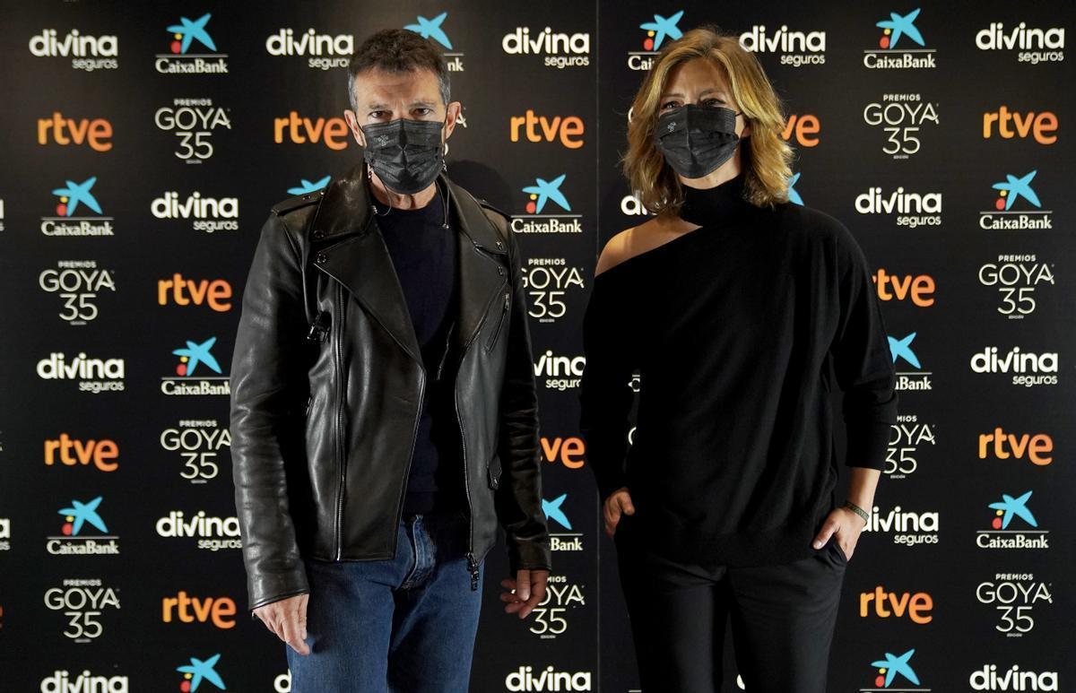 Antonio Banderas y María Casado durante la presentación de la gala de los Premios Goya 2021.