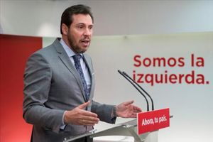 Óscar Puente, portavoz de la ejecutiva federal del PSOE, ayer, en Madrid.