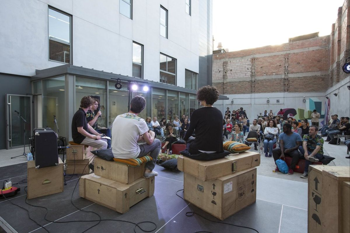 El patio del C. C. Albareda, durante un acto cultural.