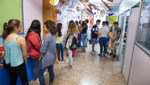 Alumnos de las pruebas PISA del 2015 en la escuela Santa Marta de L'Hospitalet.