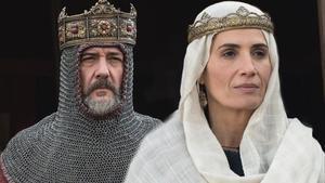 Elia Galera y José Luis García-Perez, caracterizados de reyes en la serie 'El Cid'.