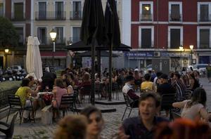 La reobertura de bars i terrasses al juny dispara el 182% l'activitat hotelera