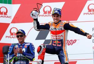 Marc Márquez celebra su victoria en el Gran Premio de Alemania.