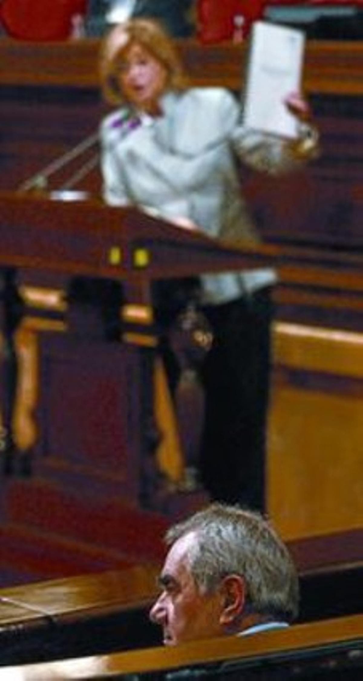 Rigau, entonces en la oposición, interpela al 'conseller'  Maragall en el Parlament.