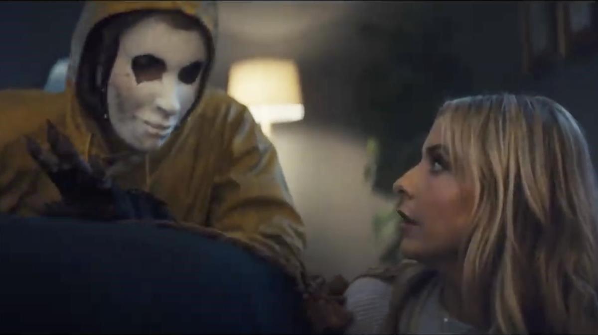 Sarah Michelle Gellar, acosada en el anuncio de Olay.