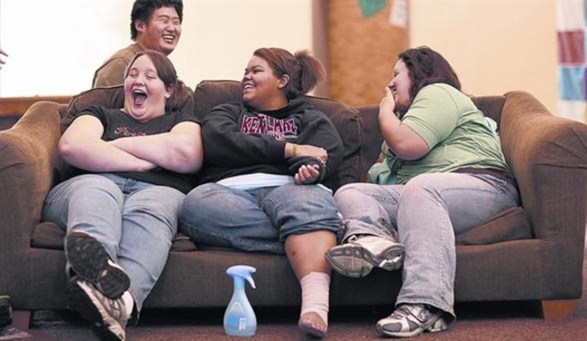 Alumnos de una escuela especial de California que ayuda a los alumnos a perder peso.
