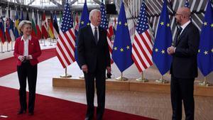 Ursula von der Leyen, Joe Biden y Charles Michel.