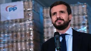 Pablo Casado, el pasado viernes, en el Banco de Alimentos de Reus.