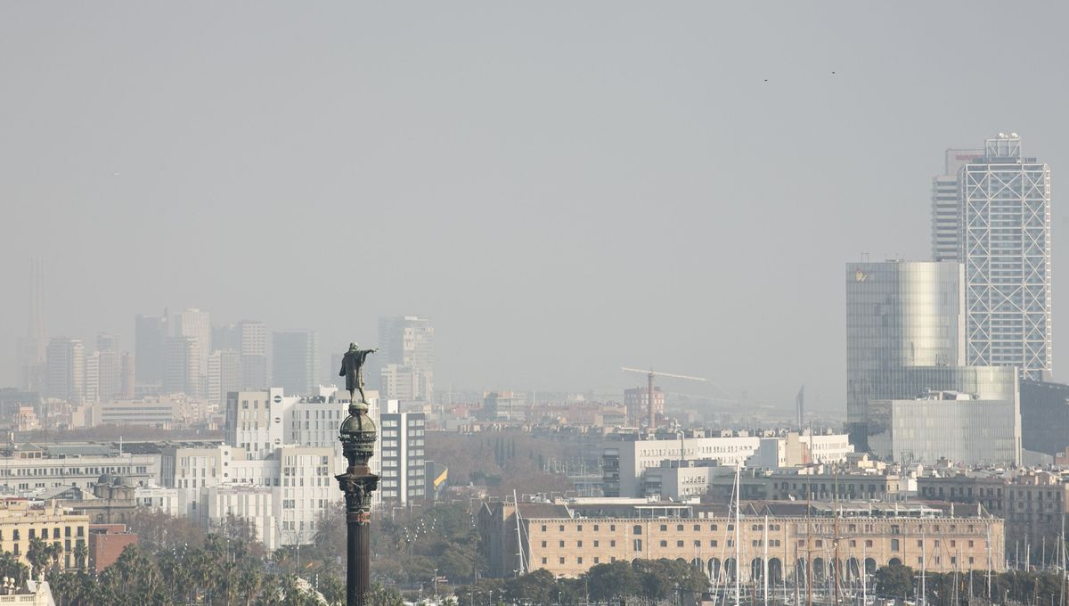 Barcelona, bajo un manto de contaminación