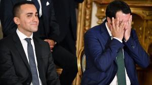 El ministro de Trabajo e Industria de Italia, Luigi di Maio, y el máximo responsable de Interior, Matteo Salvini,durante la ceremonia de constitución del Ejecutivo, en Roma, en junio del año pasado.