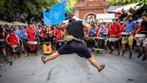 Actuación durante el pregón de inicio de las fiestas de Gràcia 2019.