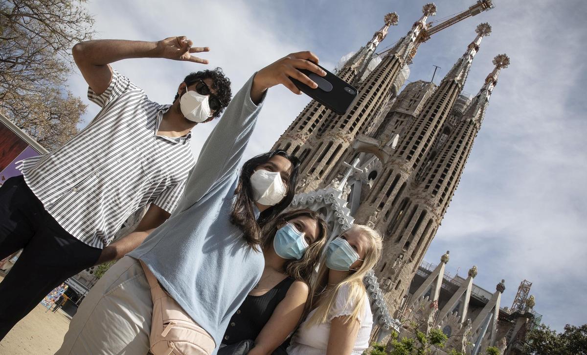 Un grupo de turistas norteamericanos en la Sagrada Familia.