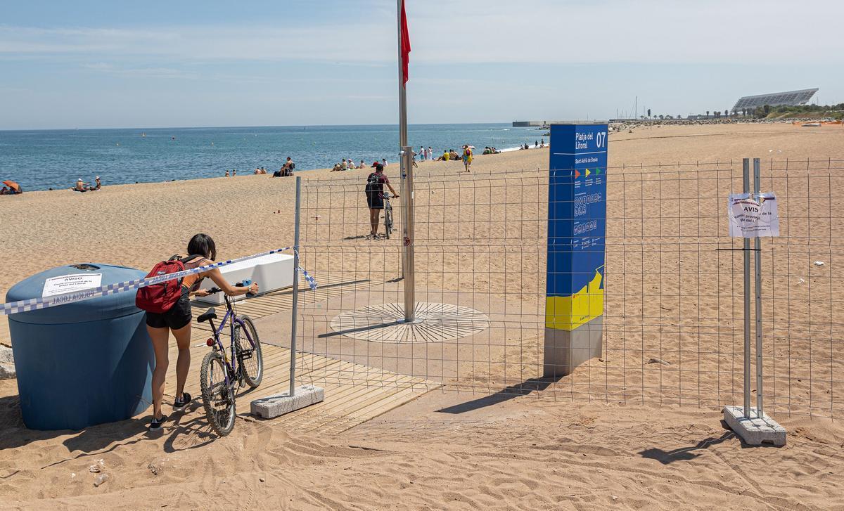 La playa del Litoral, cerrada a los bañistas desde el pasado 29 de mayo y hasta nueva orden.