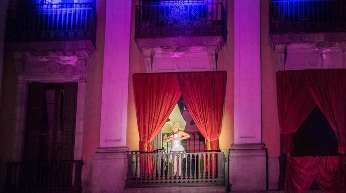 Un momento de la actuación del Cabaret El Plata.