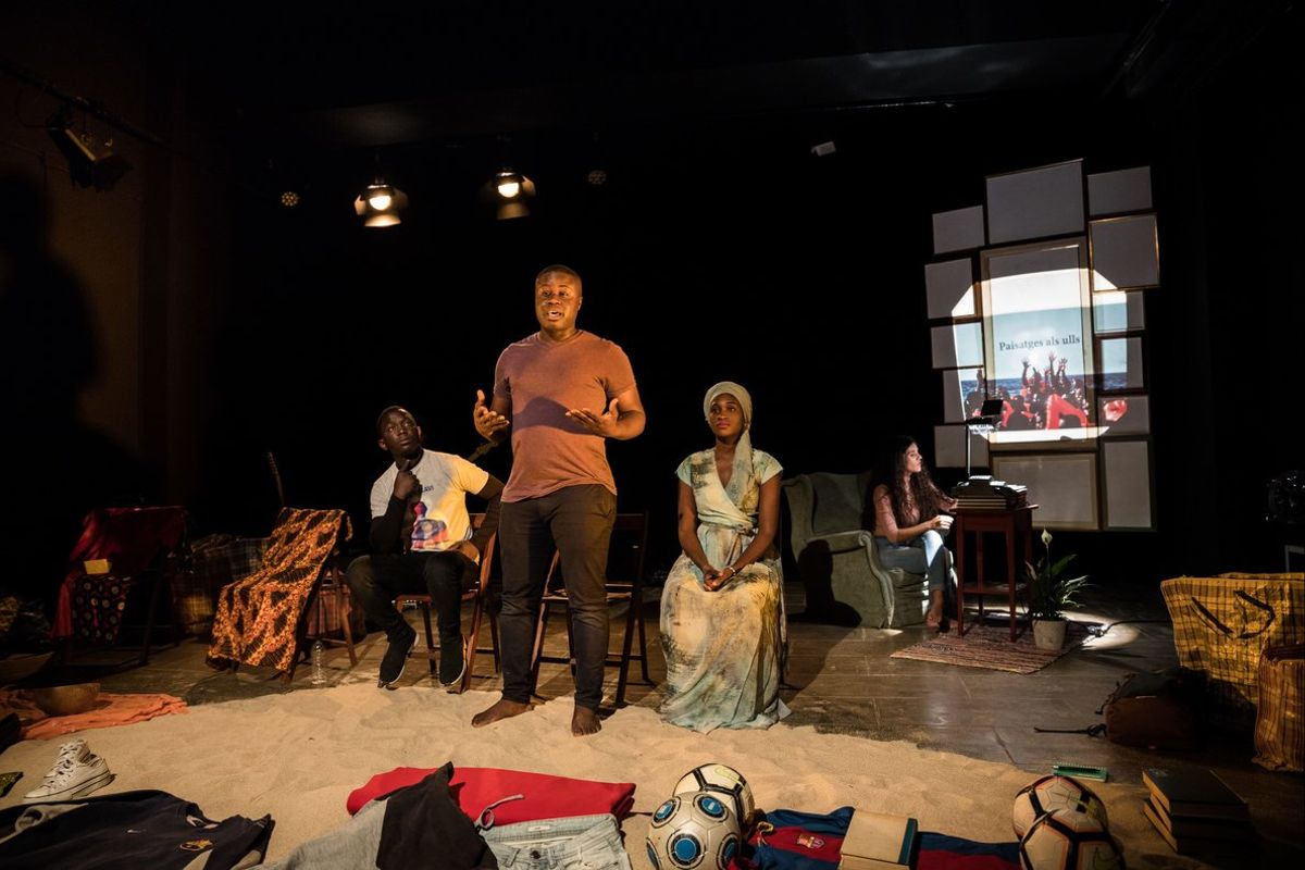 Los tres protagonistas explican al público sus experiencias.