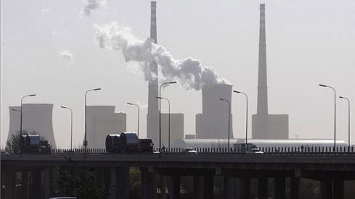 Las emisiones de CO2 alcanzaron en 2018 un nuevo récord. En la foto, una central térmica en Beijing.
