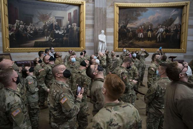 Un centenar de soldados que defendieron el Capitolio dan positivo por covid-19