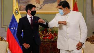 Nicolás Maduro con el nuevo embajador de Suiza en Venezuela.