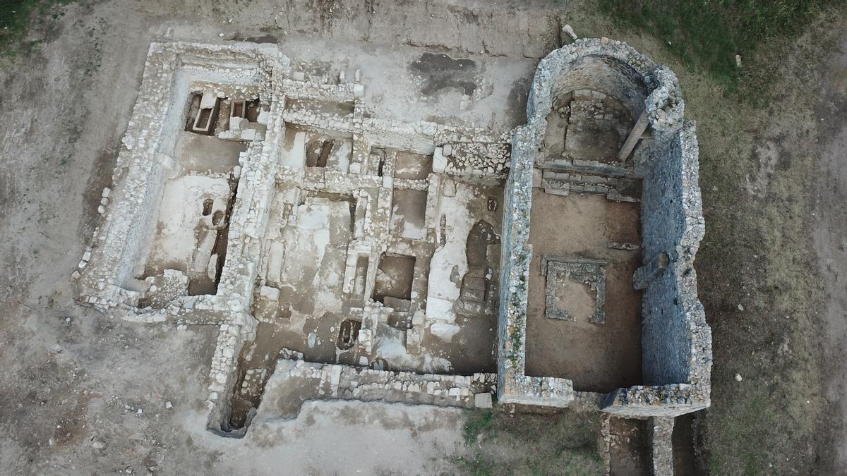 El yacimiento de Santa Margarida d'Empúries, a vista de pájaro, en cuyo subsuelo se escondía una primitiva sede episcopal del siglo IV.