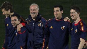 Del Bosque, junto a Llorente, Xavi, Busquets y Torres, en un entrenamiento del 2010 en Sudáfrica.